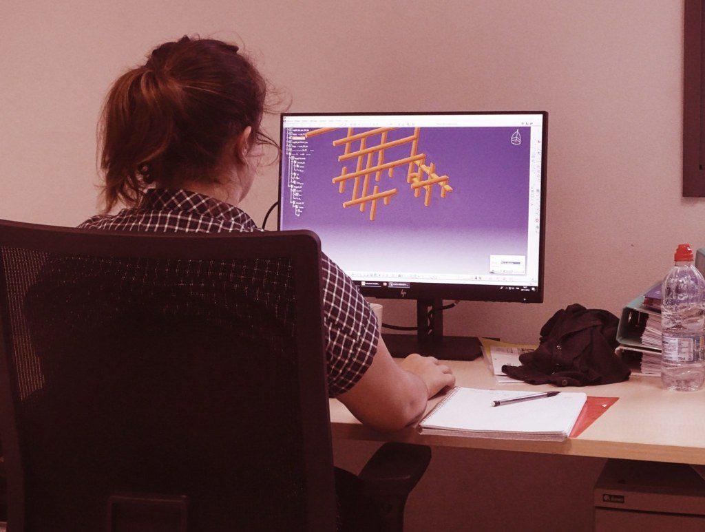 Technicienne Simulation bureau d'étude mécanique